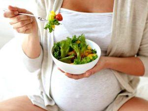 Каких продуктов лучше избегать при беременности