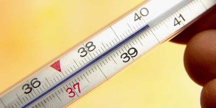Ртутный градусник с показанием высокой температуры