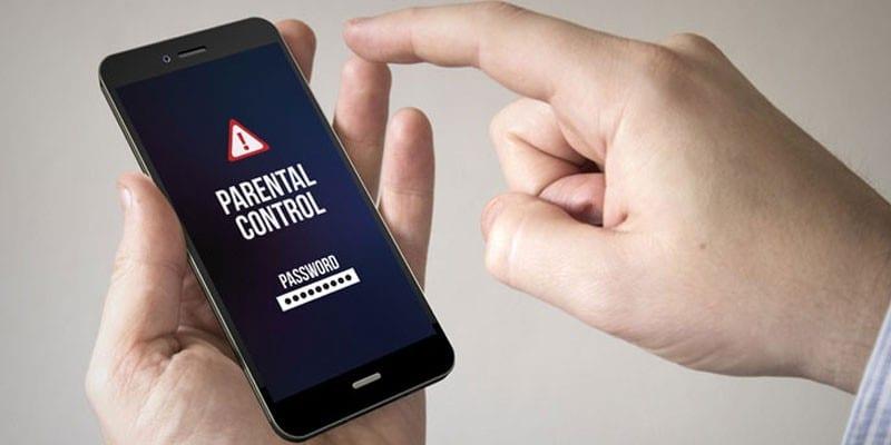 Родительский контроль на экране смартфона