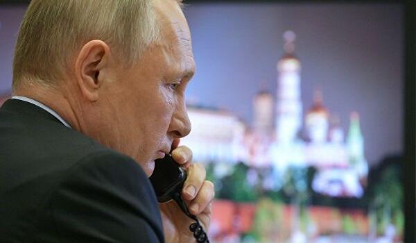 Внуки Путина общаются с дедом, когда он работает в Кремле