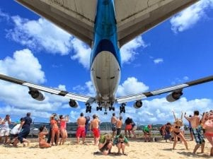 10 опасных аэропортов мира с очень экстремальными условиями