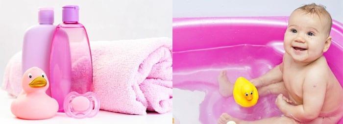 Набор средств для гигиены и девочка в ванночке