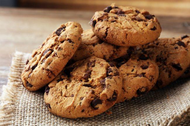 Домашнее печенье из миндальной муки с шоколадом