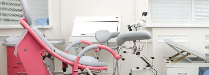 Гинекологичекое кресло и оборудование