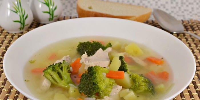Суп с рисом и брокколи