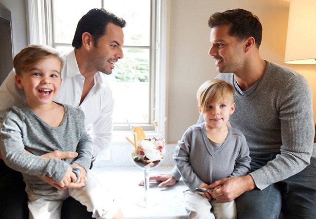 Рики Мартин с семьей