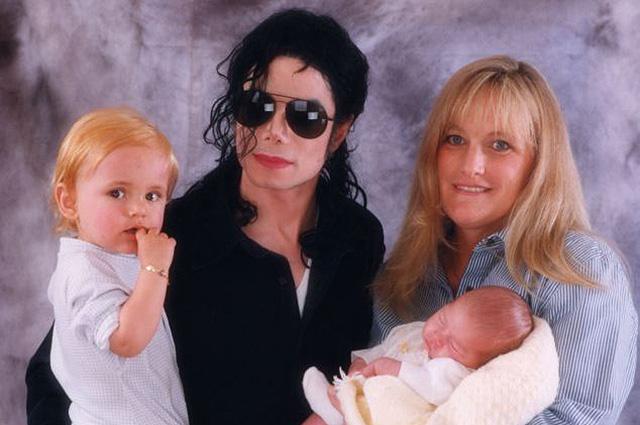 Майкл Джексон с семьей