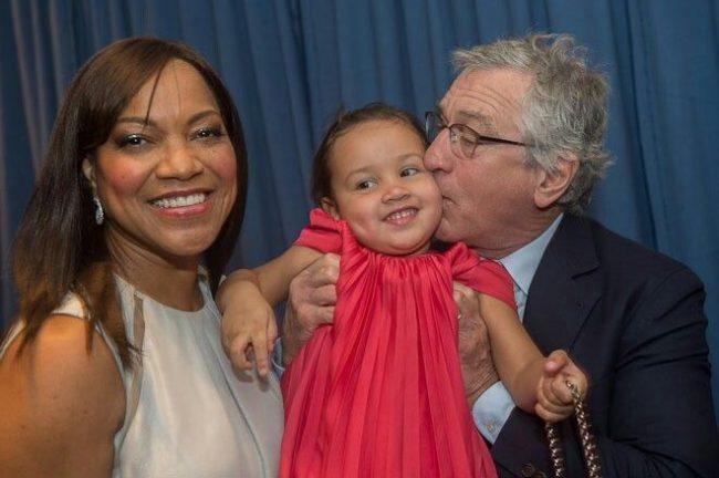 Роберт Де Ниро с женой и дочерью