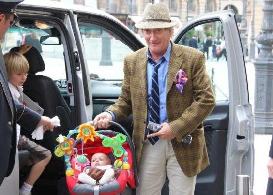 Род Стюарт с детьми
