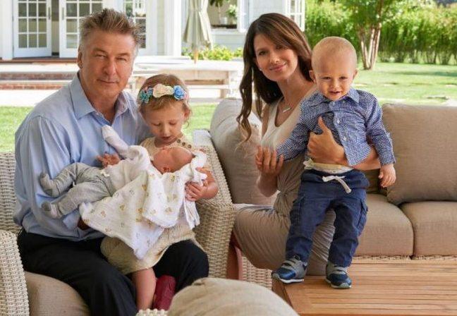 Алек Болдуин с семьей