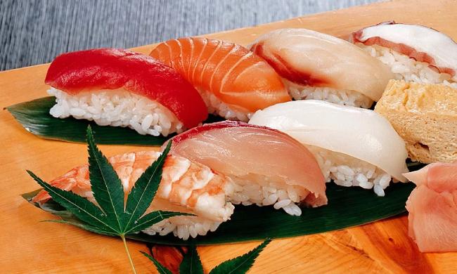 Суши со свежей рыбой