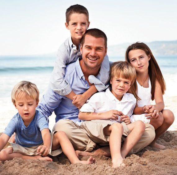 Крис О'Доннелл с детьми