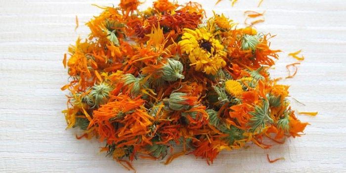 Сухие цветки календулы