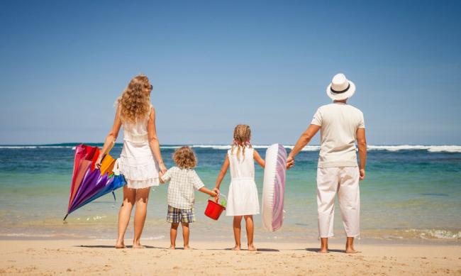 Семья на отдыхе в Турции