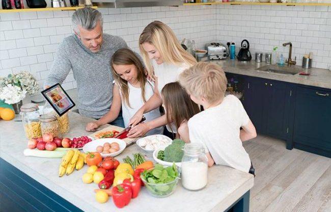 Семейное приготовление ужина