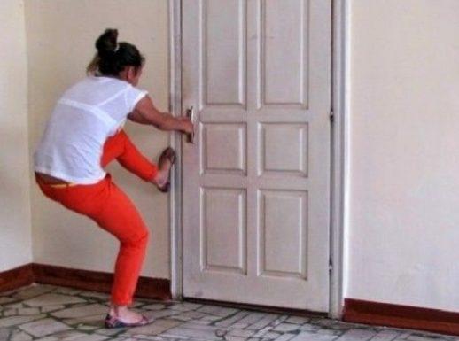 Что делать если захлопнулась дверь, а в доме остался ребенок