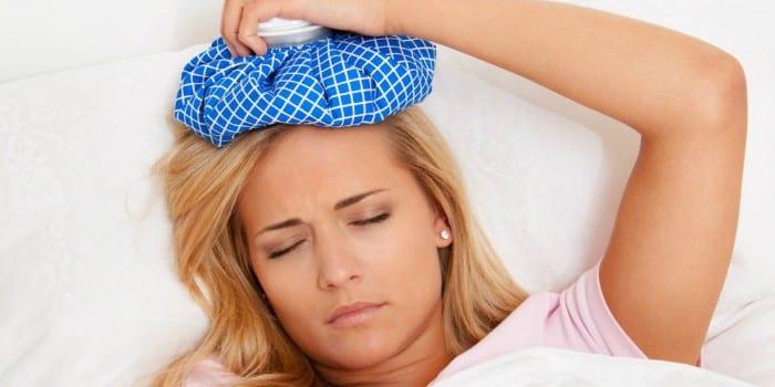 У беременной девушки головная боль