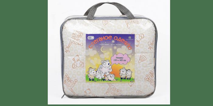 Стеганное детское одеяло Мишки и жирафы в упаковке