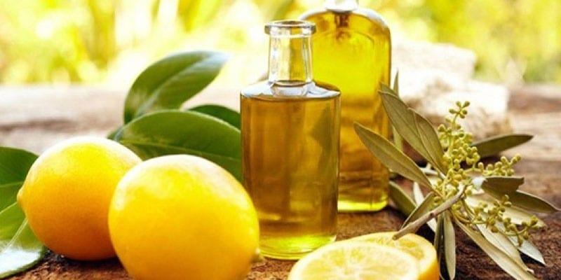 Масло лимона во флаконе