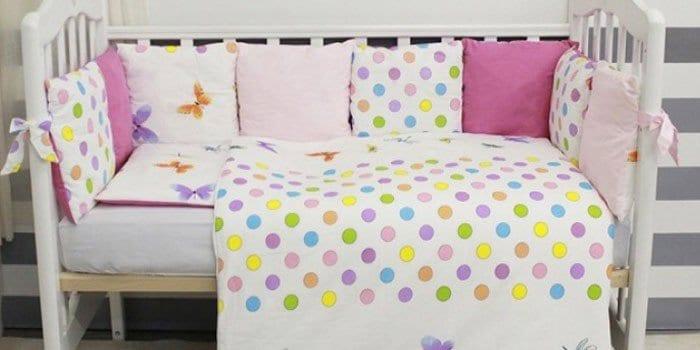 Яркое постельное белье в кроватку ByTwinz Бабочки
