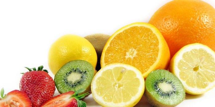 Цитрусовые фрукты и клубника
