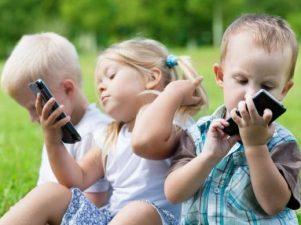 8 способов ограничить экранное время у детей