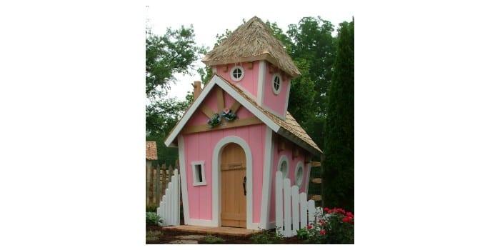 Двухэтажный деревянный Домик Принцессы на участке