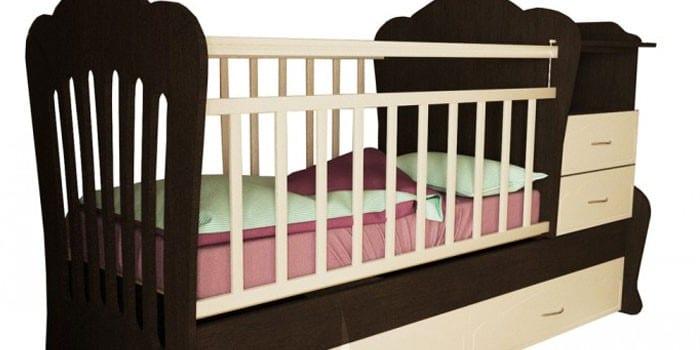 Детская кроватка с пеленальным столиком, комодом и нижним ящиком Valle Seleste