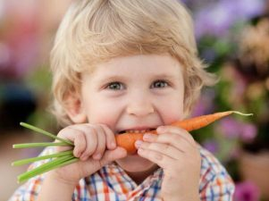 9 приемов, как приучить детей есть овощи