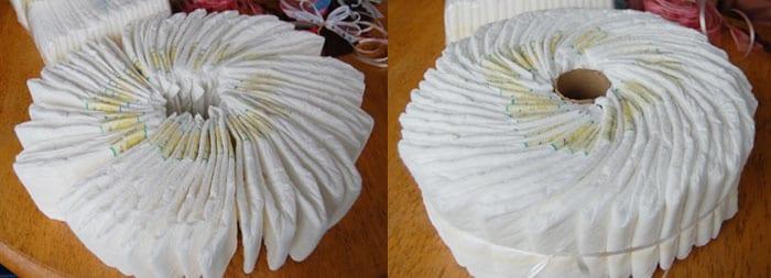 Нижний ярус торта из памперсов