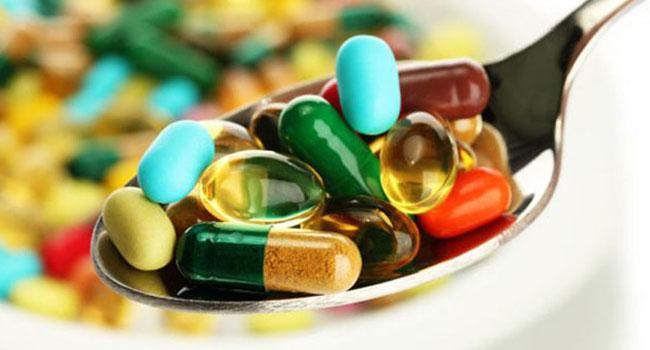 БАДы и витамины в ложке