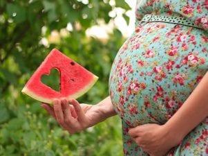 Польза арбуза для беременных женщин