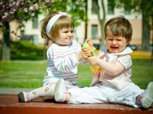 10 советов, как устранить соперничество между братьями и сестрами