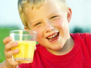 Чем соки в пакетах опасны для детей