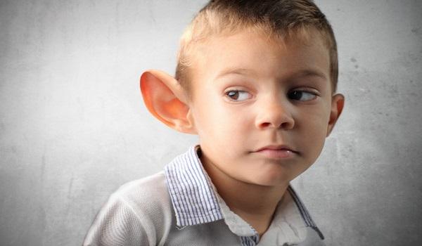 Что делать, если ребенок любит подслушивать