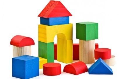 Деревянный конструктор для детей: чем полезен, виды наборов