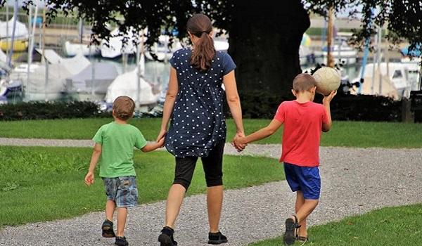 Новое пособие для матерей-одиночек ожидается в России