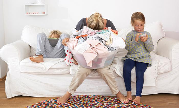 Дети не помогают маме