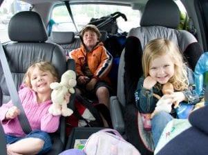 12 забавных игр в машине для детей и взрослых