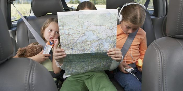 Дети с картой
