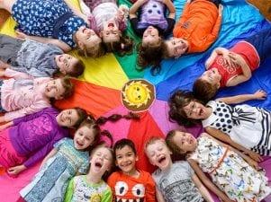 Группы в детском саду по возрастам — как распределяют малышей