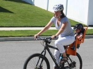 7 лучших детских кресел для велосипеда