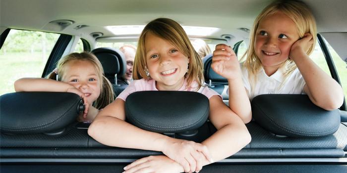 Девочки в машине