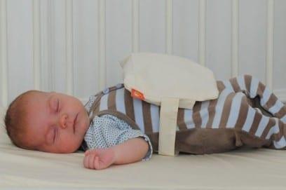 Грелка для новорожденного от колик разновидности как правильно выбрать