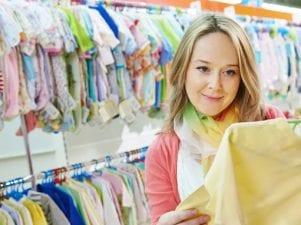 7 удивительных способов сэкономить деньги на детских вещах
