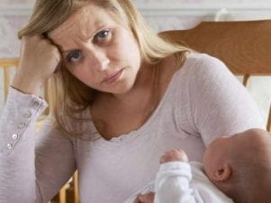 Понос у кормящей мамы — причины возникновения и лечение