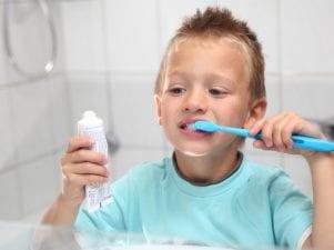 Топ-10 детских зубных паст безопасных по составу