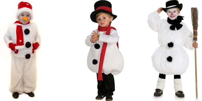 Мальчики в костюмах снеговиков