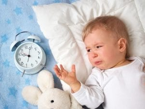 Почему ребенок постоянно просыпается ночью — основные причины