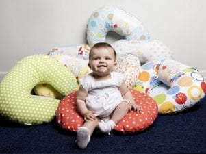 Подушка для кормления грудного ребенка — как выбрать и пользоваться